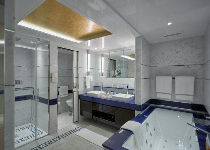 EXP Seven Seas Suite Bath